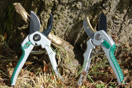 Bypass & Anvil Secateurs