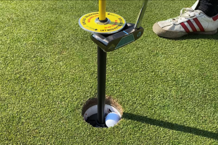ball lifter with putter for golf course