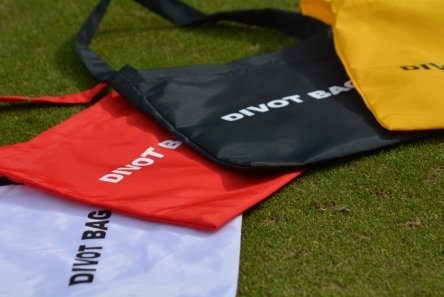 Members Divot Mix Bag