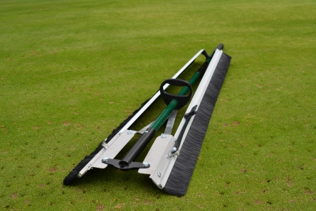 easy carry dew brush for golf course