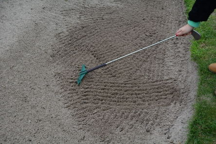 fairway products green mini rake in use