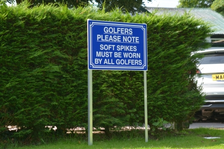 golf course information sign