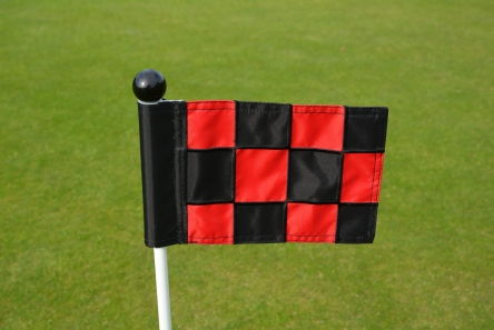 mini chequered black red putting green fabric flag