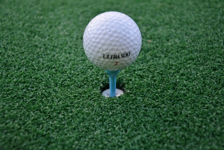 tee mat for golf course with rubber crossed tee