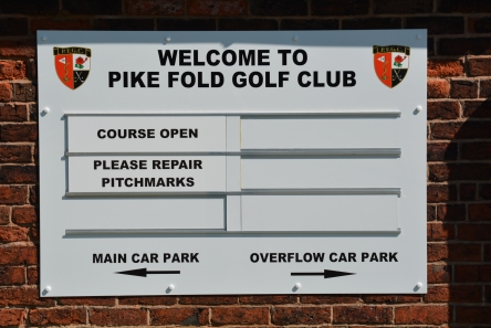 wall mounted golf club welcome sign