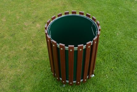 wooden litter bin with solid metal liner