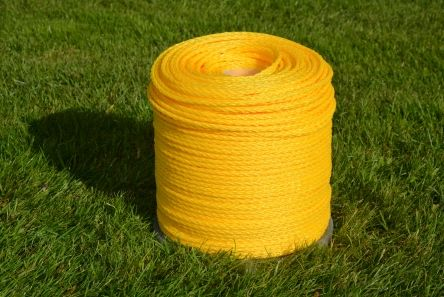 yellow braided rope for golf course